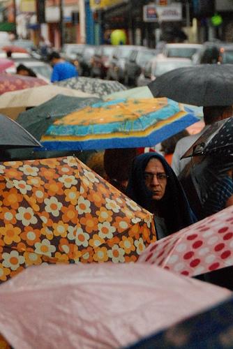 এক অজানা শহর, সেপ্টেম্বরের ৮ তারিখে, ছবি ফ্লিকার ব্যবহারকারী রডিরগোজাঙ্ক