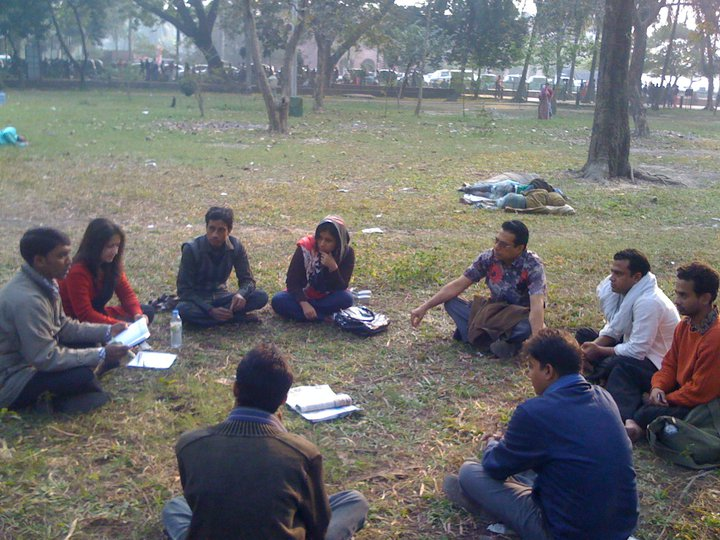 The beginning of Shawpno Rath's journey being discussed in Chandrima park. Image taken from their Facebook Page. Used with permission.