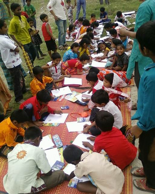 Shawpno Rath students taking part in a Sit and Draw Contest. Image taken from the group's Facebook Page. Used with permission.