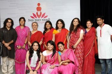 پروگرام کے چند منتظمین کی تصویر