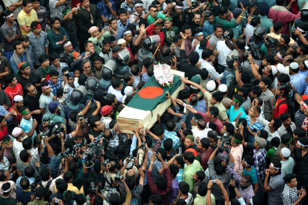 Thousands of people take part in the namaz-e-janaza of blogger Ahmed Rajib Haidar at Shahbagh intersection in Dhaka. Image by Firoz Ahmed. Copyright Demotix (16/2/2012)