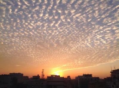 গোধূলী রং লেগেছে আকাশের গায়ে। ছবি তুলেছেন হাসান আহমেদ খান। মিরপুর, ঢাকা।